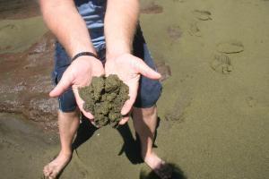 Ooooooh green sand! So sparkly!