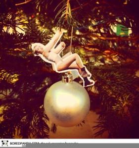 miley-cyrus-wrecking-ball-christmas-ornament-21__605